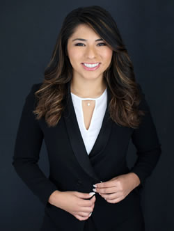 kelly-dominguez - Hispanic Immigration Legal Assistant
